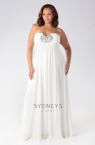 Strapless chiffon #plussize wedding dress. An informal gown, only one in stock. Get it now before it's gone!