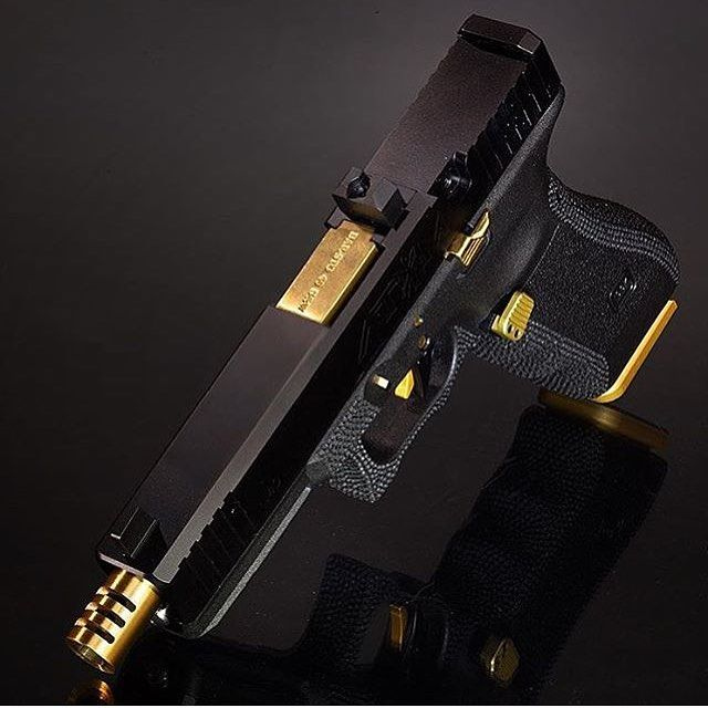 Badass Glock 22 ➲ Double Tap!! & TAG Friends . By @glockstore #BroZone