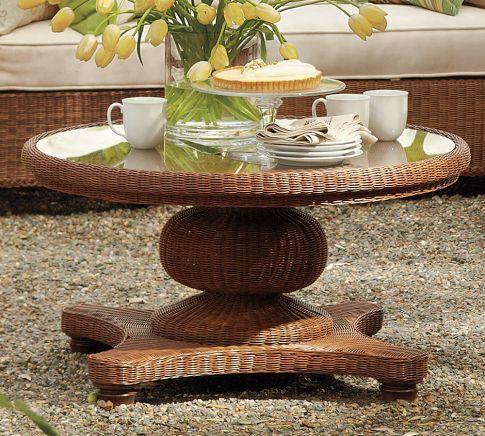 Palmetto All Weather Wicker Round Pedestal Coffee Table   Honey