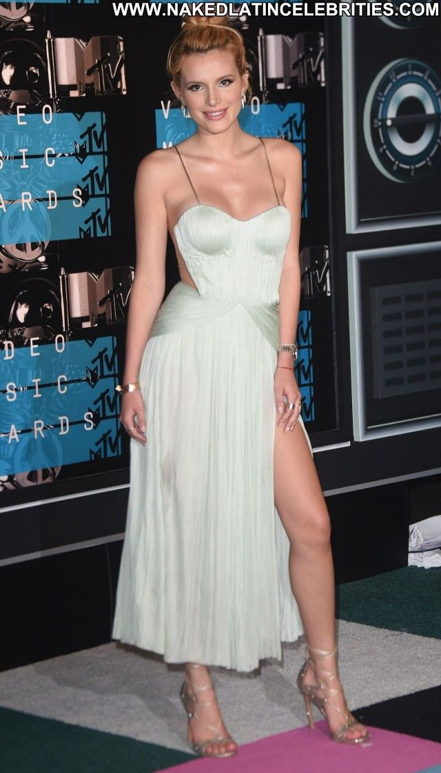 Bellathorne Babe Beautiful Awards Celebrity Redcarpet Actress Losangeles Posinghot Bella Thorne Style Revealing Dresses Celebs