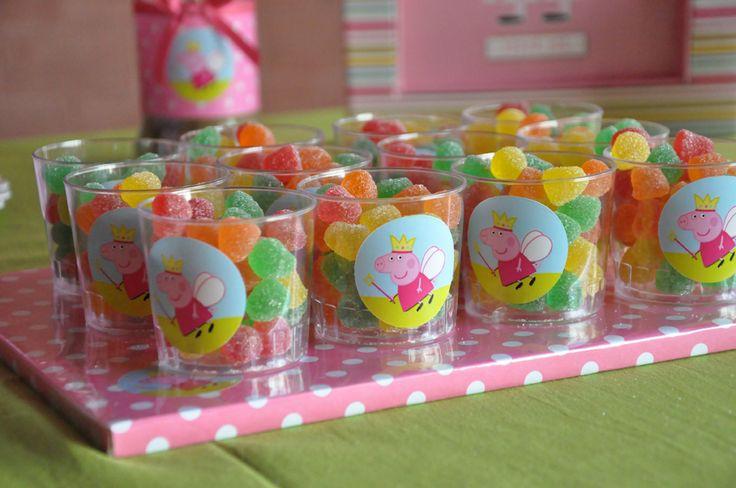 Divertida idea para comida de una celebración de cumpleaños de Peppa Pig. #Peppapig #fiestadecumpleaños