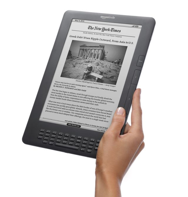 Beached whale? Amazon pulls Kindle DX from store, death may be imminent