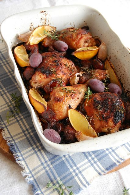 Chicken, chorizo and lemon bake / Frango assado com limão siciliano e chorizo by Patricia Scarpin, via Flickr