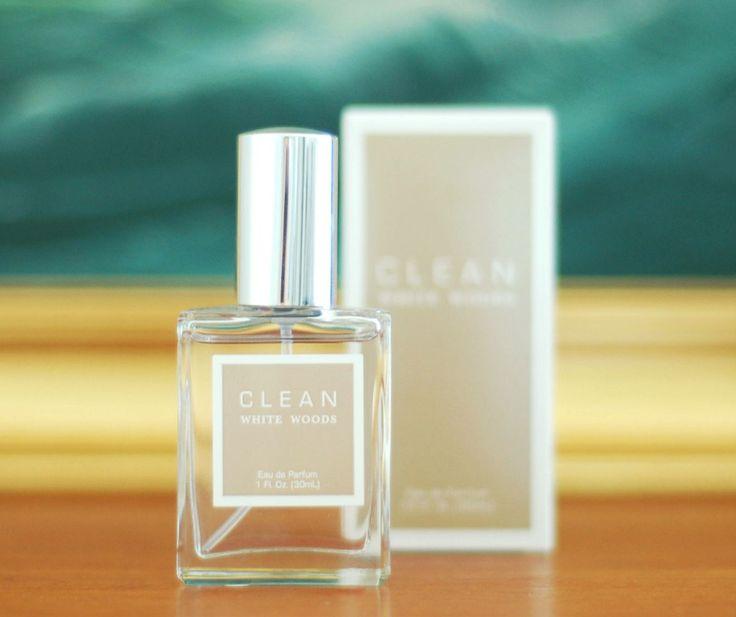 Любители древесных ароматов - советуем вам обратить внимание на парфюм White Woods от Clean - легкий, с нотками мода и коры, обволакивающий и ненавязчивый. Этот робкий, но при этом такой красивый аромат понравится и мужчинам и женщинам)  #clean #parfum #whitewoods #parfum #selective