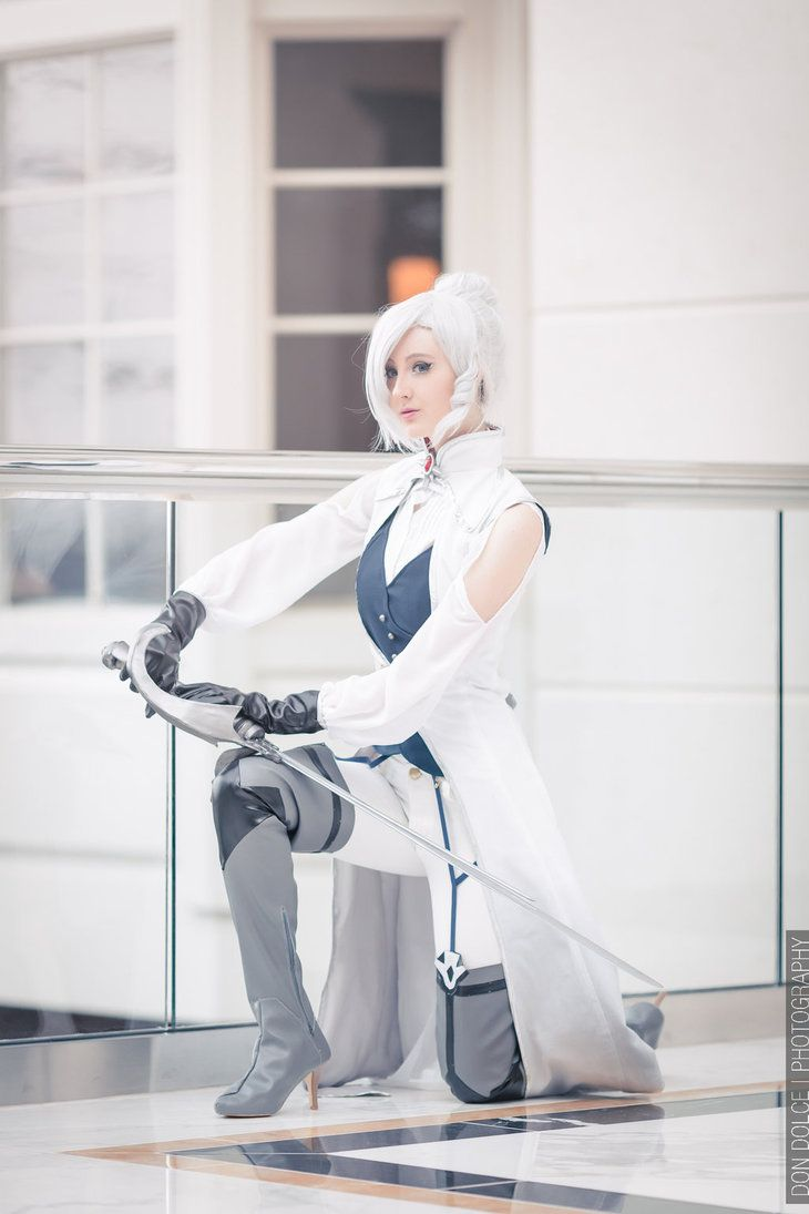 Winter Schnee Cosplay - RWBY by Nakatsukuni