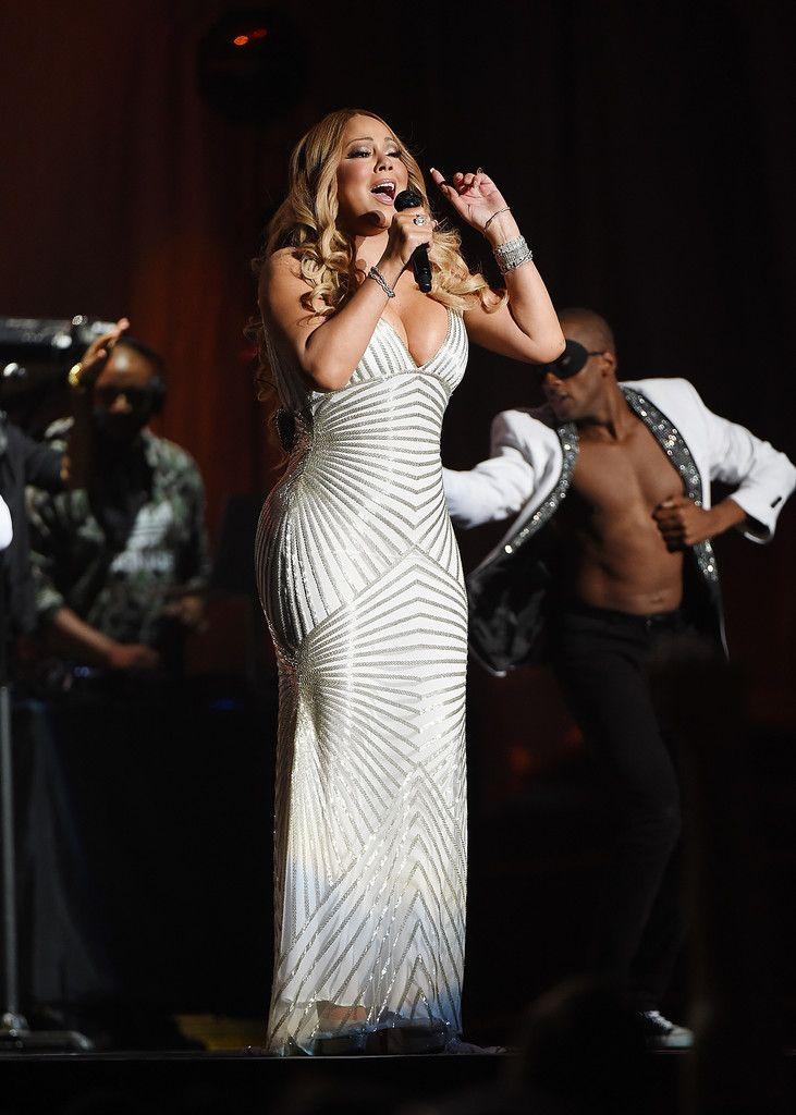 Mariah Carey Photos Photos - Lionel Richie Performs With Guest Mariah Carey in Concert - New York, New York - Zimbio