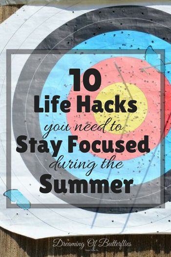 How to stay focused during Summer when you must work, but all you can think about is laying out in the sun all day? These great life hacks really help!
