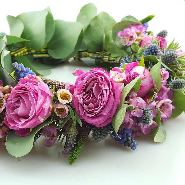 A flower crown from today's workshop.....there's no such thing as being over dressed for dinner!   #bloomroomuk #sussexflorist #weddingflowers #floristryworkshops #flowercrown #flowersinherhair #roses #waxflower #muscari #bohobride  If you would like wedding flowers with a difference or want to learn to DIY with an expert on hand to guide you visit our website at www.bloomroom.co.uk