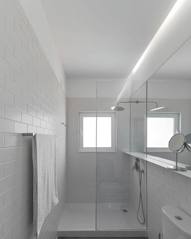 Embaixador House | @arriba.pt |  Ricardo Oliveira Alves  #ricardooliveiraalves #RicardoOliveiraAlvesPhotography #arriba #architecturephotohraphy #nikonphotographer #portugal #photooftheday #archidaily #p3top #homeadore #myhousebeautiful #d_signers #myhouseidea #architizerdetails #architecture_hunter #archilovers #architecturedose #archiproducts #restlessarch #arch_grap #allofarchitecture #fubiz #brutal_architecture #promenadearchitecture #archite_design #architectureanddesign…