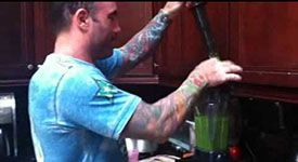 Joe Rogan Kale Shake Green Smoothie by @Jess Abitbol Babes @J. R. #kale #smoothie #recipe
