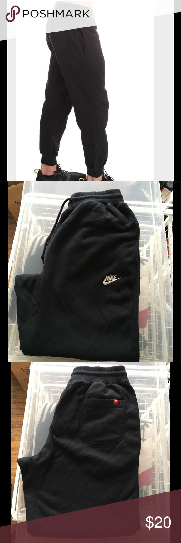 Men's Nike cuffed jogger pant Black cuffed joggers. Three pockets two side pockets one back pocket. In good condition. No damage Nike Pants Sweatpants & Joggers