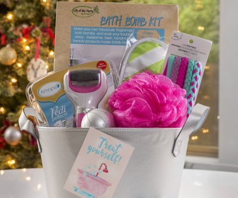 The 25 best spa gift baskets ideas on pinterest spa gifts gift 18 valentine crafts for kids youll love page 19 of 19 make an awesome diy spa gift solutioingenieria Gallery