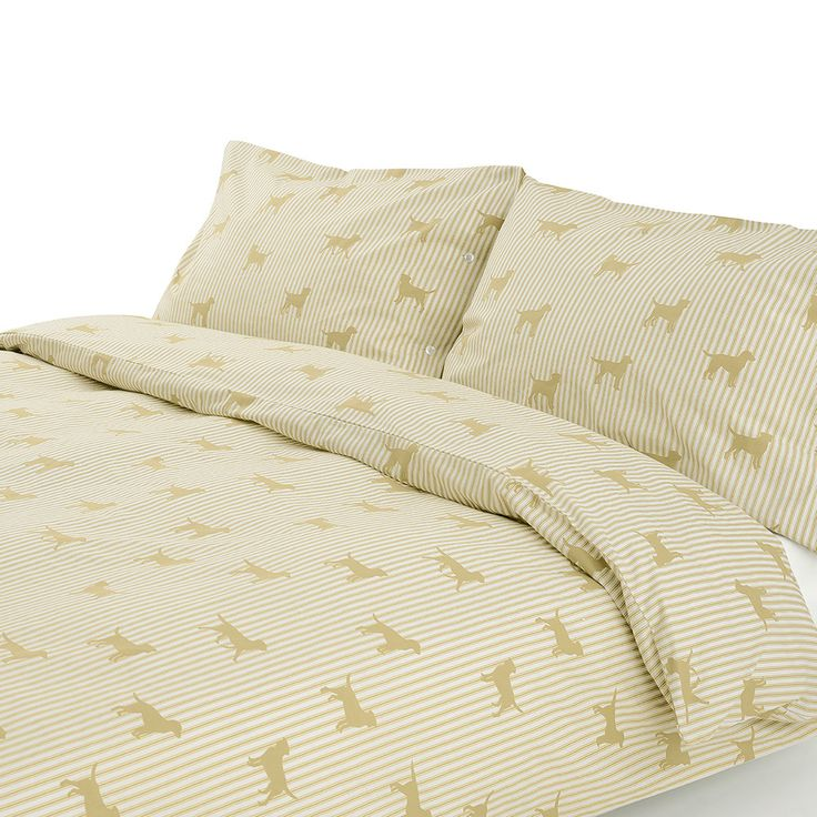 Update a bedroom interior with this Labrador Cream duvet cover from Emily Bond. Adding a touch of charm to any home, the 100% cotton duvet cover is adorned with a repeating pattern of Labrador dog des