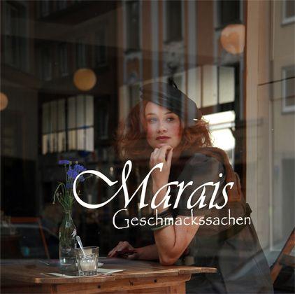 Ladencafé Marais: das Inventar stammt aus den 20er Jahren - original vom einem ehemaligen Textilwarenhaus übernommen