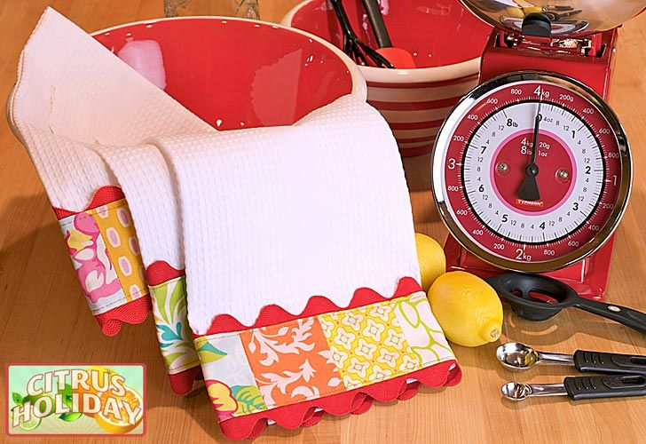 Patchwork Trim Tea Towels - http://sew4home.com/projects/kitchen-linens/411-citrus-holiday-quick-patchwork-trim-tea-towels