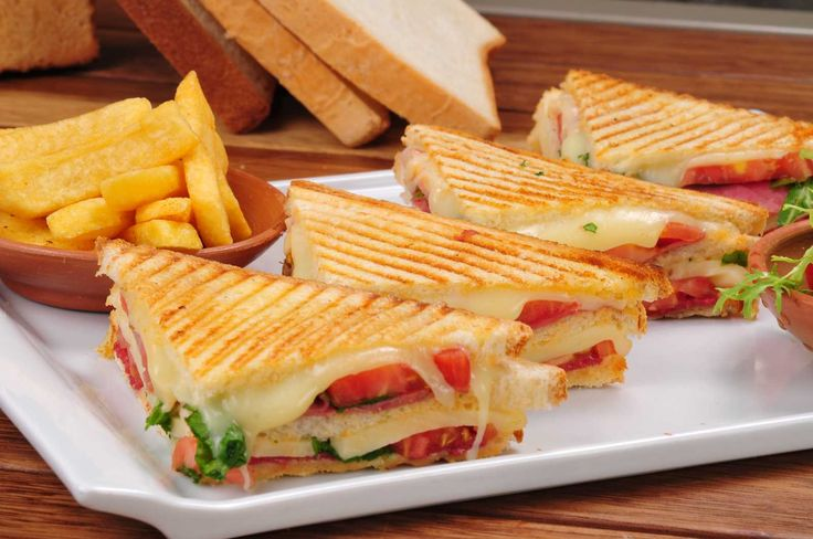 Sucuklu Peynirli Sandviç Tarifi Yeşil Elma