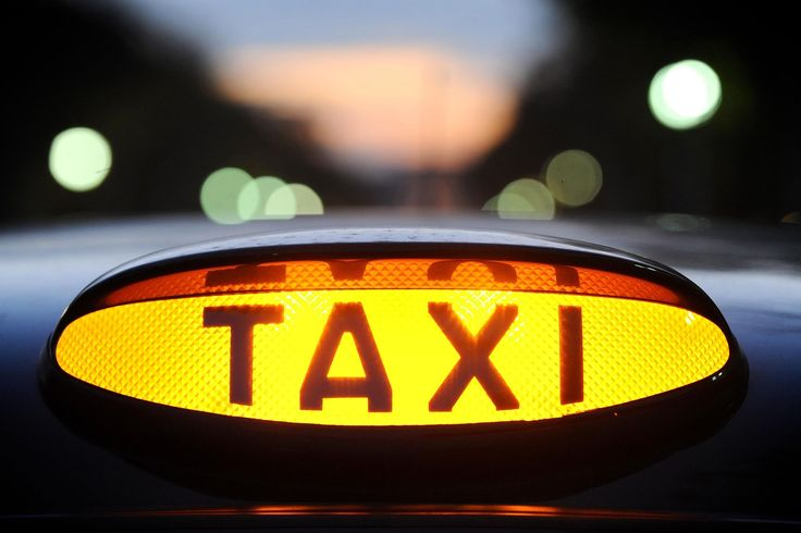 Grab a taxi in Melbourne through the Silver Top Smartphone App.