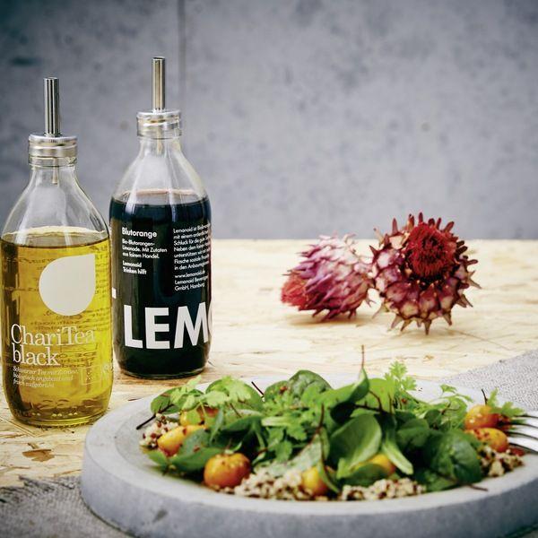 Pro Artikel fließen 1€ in den gemeinnützigen Verein Lemonaid & ChariTea e.V.