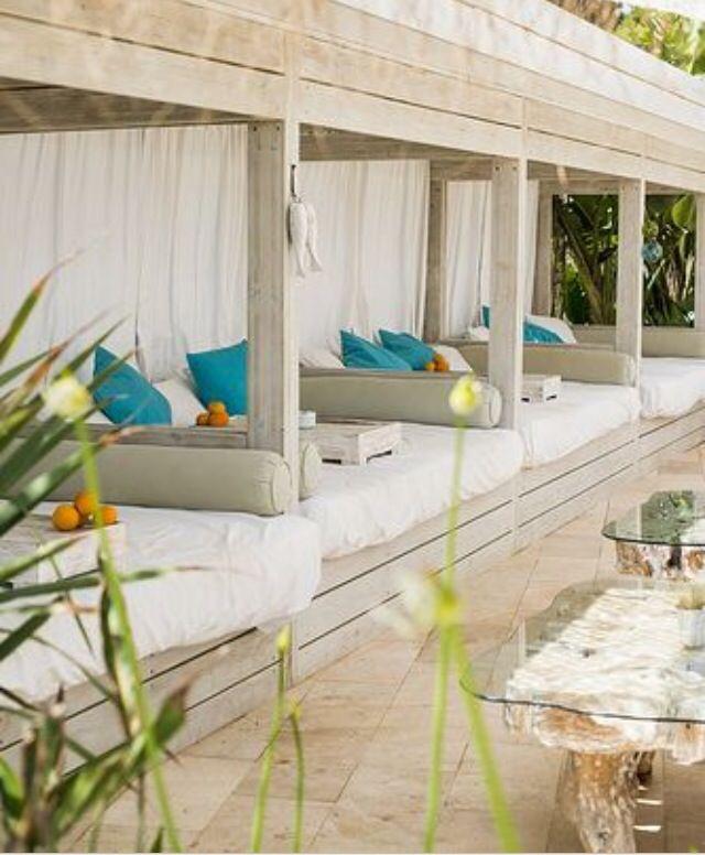 Restaurant Atzaró Beach, Santa Eulàlia des Riu #ibizarestaurants #eivissa #Atzaró