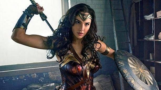 Wonder Woman -elokuvan pääroolia näyttelevä Gal Gadot on saanut osakseen kritiikkiä syntyperänsä vuoksi.