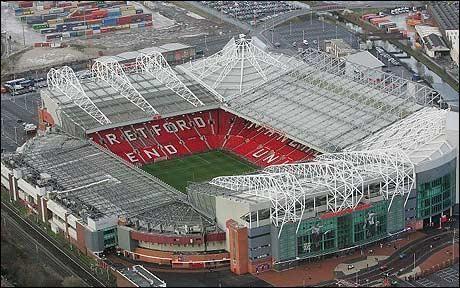 Un stade anglais : Old Trafford, aussi appelé 'Dream Field' (le théâtre des rêves)