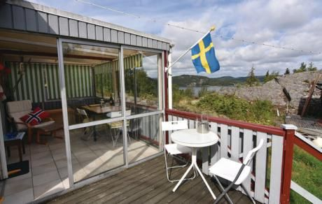 Henån  Comfortabel vakantiehuis met panoramisch uitzicht op het Kalvofjord. Private ligging en afgeschermd. Meerdere zitgelegenheden buiten en een serre. Mooie wandelpaden en prachtig water om te zwemmen bootvaren en kanovaren.  EUR 429.00  Meer informatie  #vakantie http://vakantienaar.eu - http://facebook.com/vakantienaar.eu - https://start.me/p/VRobeo/vakantie-pagina
