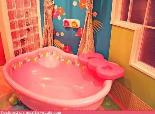 hk bathtub... I wonder if the girls would bath without a fight if their bathroom looked like this?
