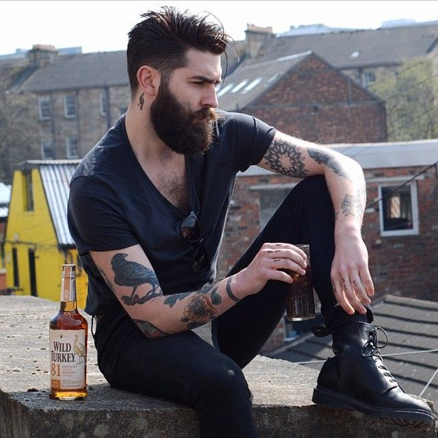 @chrisjohnmillington not only has a sweet smelling vanilla and MANgo beard oil but also has great taste in drinks. #TheManClub www.apothecary87.co.uk #Apothecary87