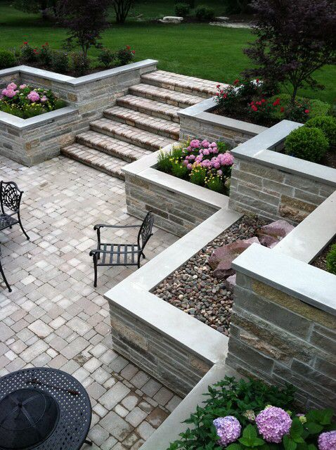 I like the smoothness of the retaining wall