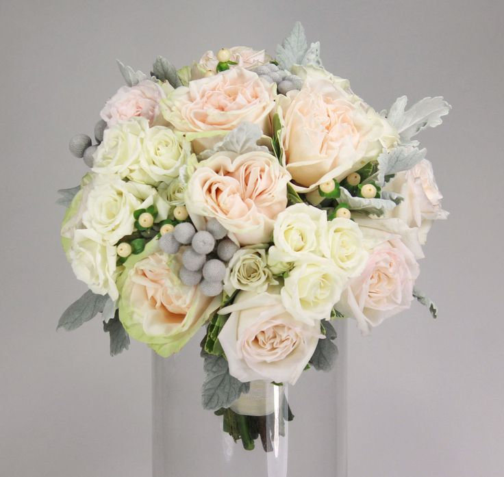 roses berries blush garden roses white majolica spray roses blush hypericum berries