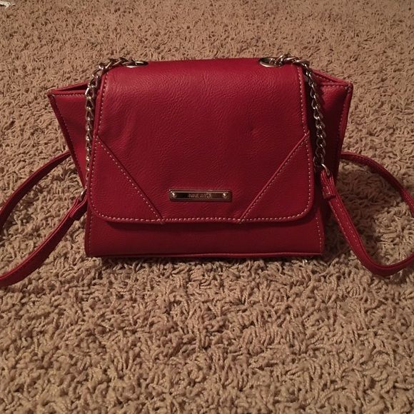 New Nine West purse New Nine West purse lost tag. Super cute for anything! Make offers! Nine West Bags