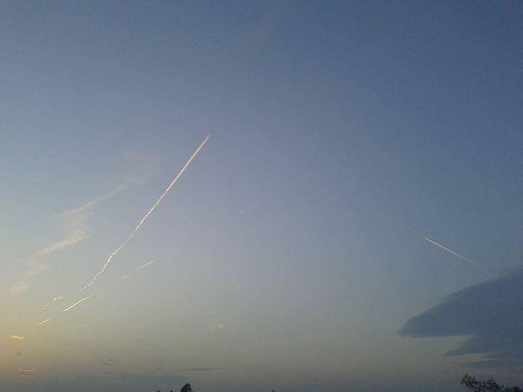 Θεσσαλονίκη... ο ουρανός λίγο πριν τα ακραία καιρικά φαινόμενα! | Χημικοί Αεροψεκασμοί - Chemtrails