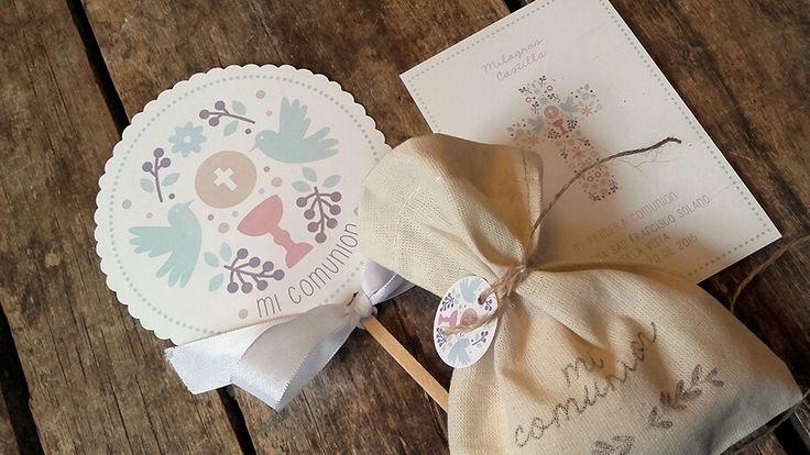 COMUNIÓN INTHESKY.COM.AR espectacular❤❤ Este kit de #estampitas #caketopper #souvenirs todo personalizado!! Te arman todo el festejo!!! ☺☺☺