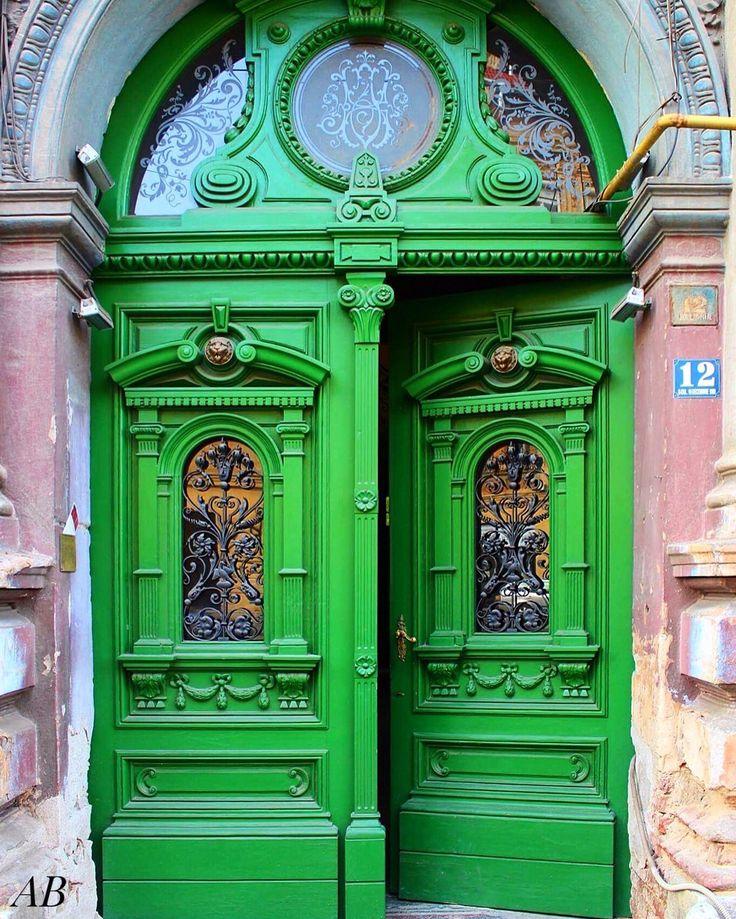 Green door,Saint Mary Square,Timisoara
