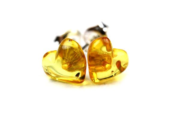Hey, I found this really awesome Etsy listing at https://www.etsy.com/listing/191106715/100-natural-baltic-amber-earrings-heart