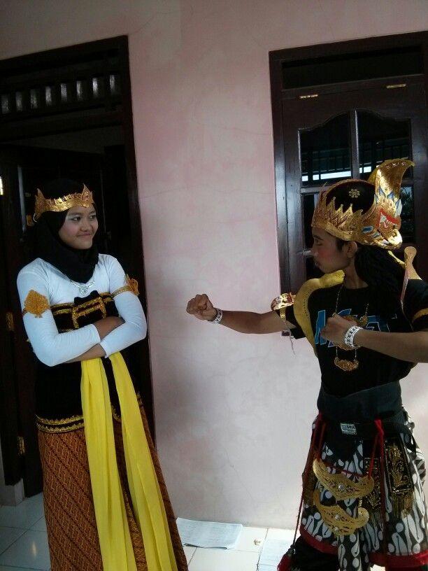 With Anggi as Dewi Kunthi