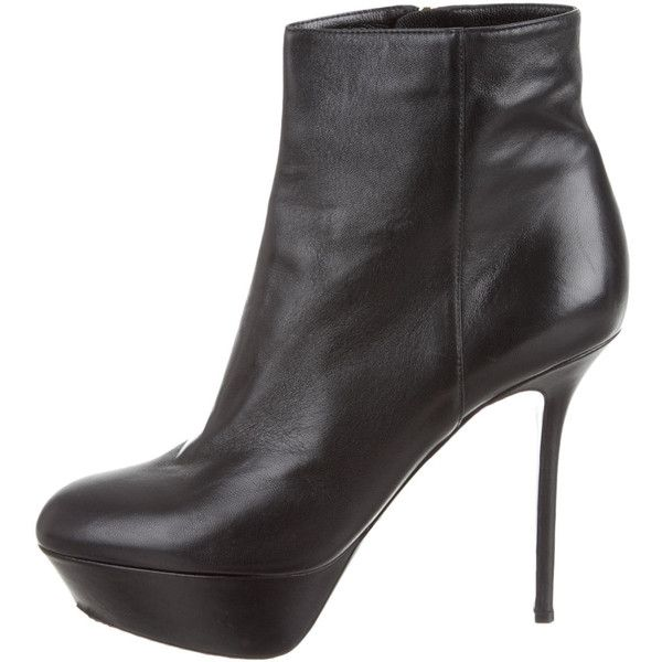 Sergio Rossi Ankle Boots (2.920 ARS) ❤ liked on Polyvore featuring shoes, boots, ankle booties, black, black leather ankle booties, black bootie, black ankle boots, leather ankle boots and short black boots