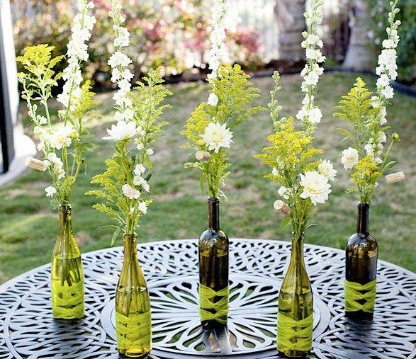 ¿Tenés en tu casa botellas de vidrio? No las tires. Hoy te vamos a presentar muchas de las maneras en que podés reutilizarlas, para transformarlas –por ejemplo- en sujeta velas,