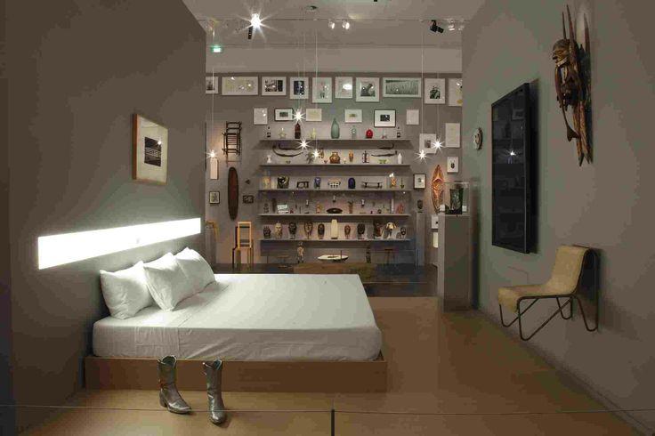 Le Louvre invite Robert Wilson  Living Rooms Art contemporain du 14 Novembre 2013 au 17 Février 2014 http://www.louvre.fr/expositions/le-louvre-invite-robert-wilson-living-rooms