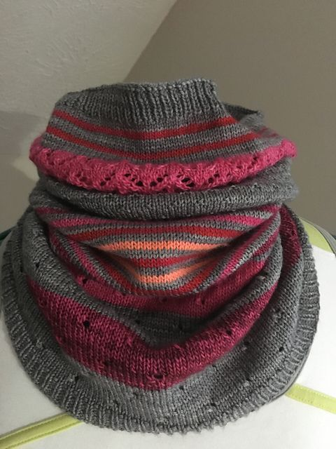 Ravelry: Project Gallery for 3 Color Cashmere Cowl pattern by Joji Locatelli $4.00