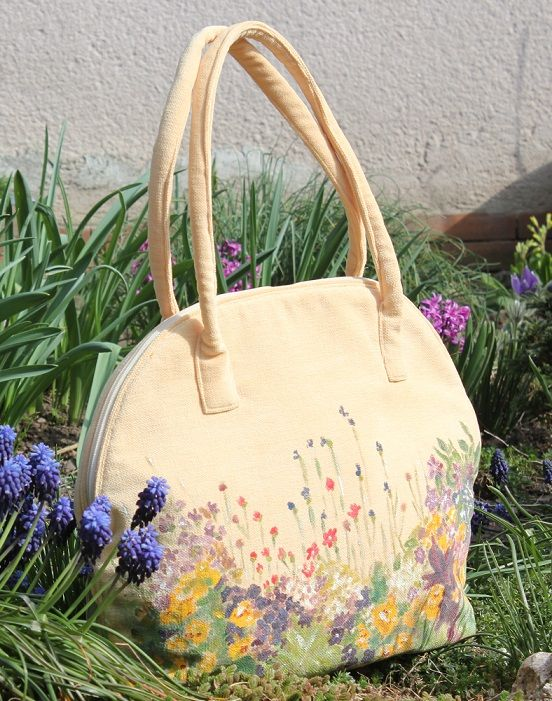 Handmade bag by Renata Vespa. Painting.
