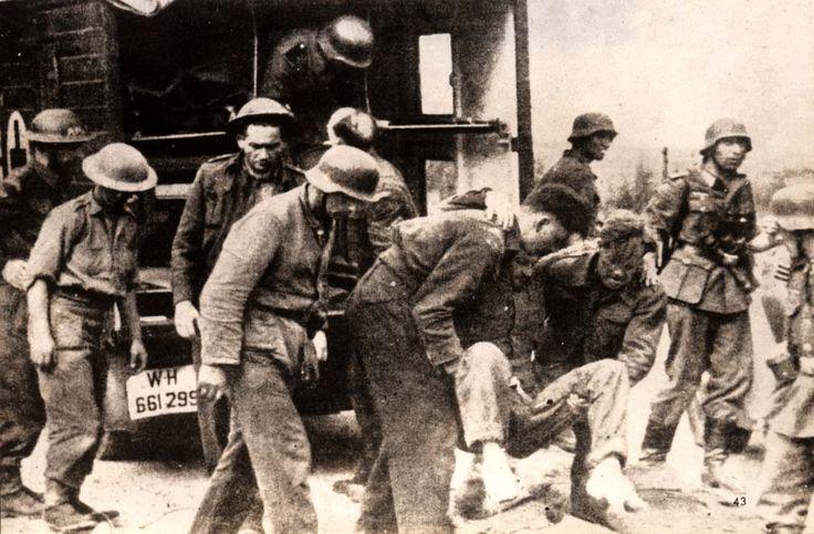 Digital Collections - Yad Vashem : Dieppe, France, Canadian soldiers taken prisoner during a raid on the port, 19/08/1942.
