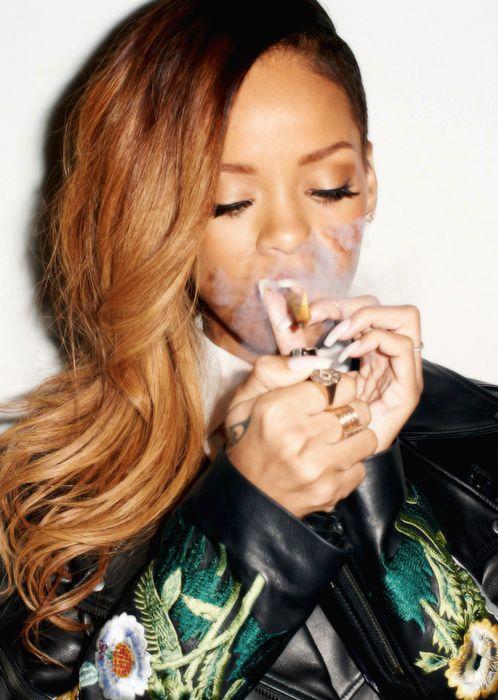 Rihanna lighting up  sc 1 st  Pinterest & Best 25+ Rihanna games ideas on Pinterest | Puma creepers Rihanna ... azcodes.com