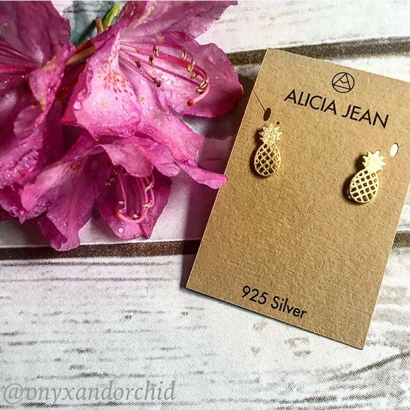 Last Pair! Gold Pineapple Stud Earrings These pineapple stud earrings are ADORABLE!! Solid sterling silver, 14k gold plated & nickel free. 1 pair left!! 15% discount on bundles. No PayPal or trades. Alicia Jean Jewelry Earrings