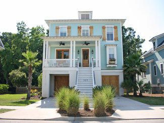 Top 25 best small beach houses ideas on pinterest small for Beach home plans on pilings