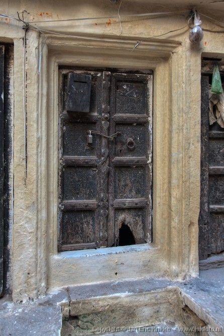 Varanasi - Oude houten deuren