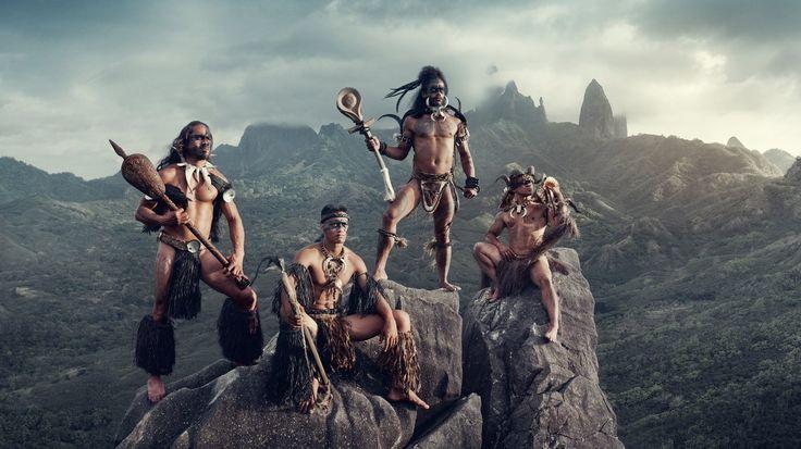 Bei Hakahau auf Ua Pou, Marquesas-Inseln, Französisch-Polynesien, 2016 © Jimmy Nelson  (Anmaßung oder Würdigung? Jimmy Nelson fotografiert indigene Völker. Dafür erntet er Ruhm, aber auch Kritik. In Berlin sind nun seine Bilder zu sehen.)