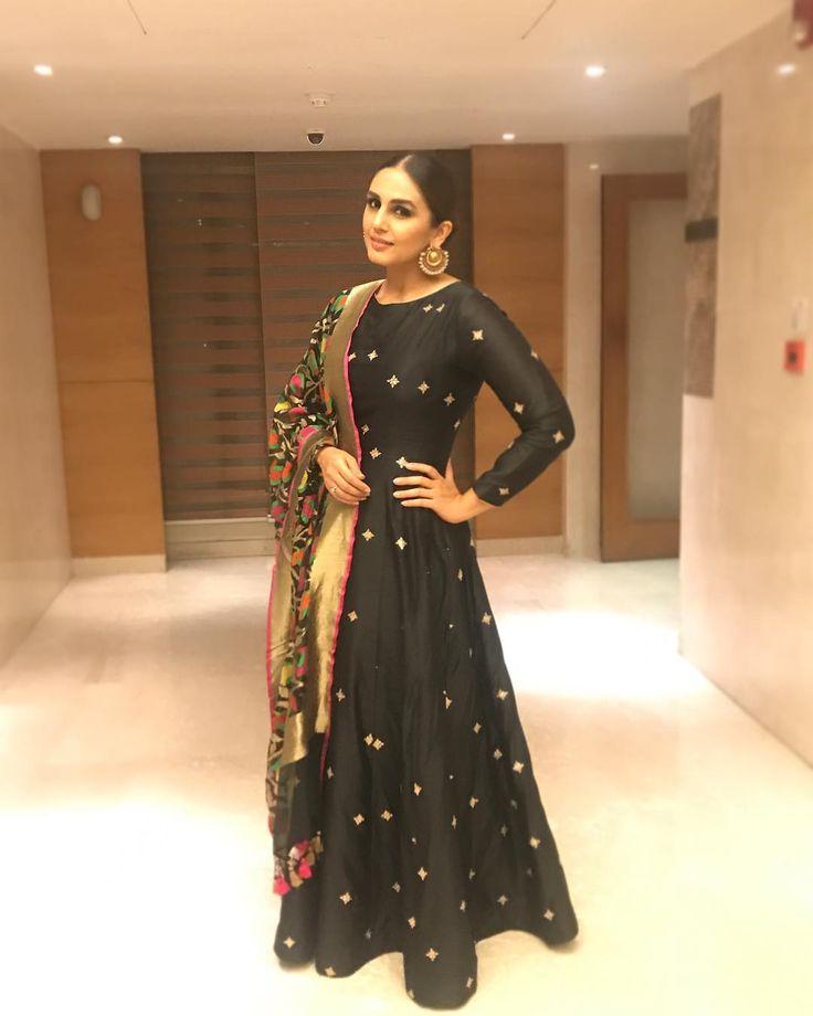 Naaz Awards in Delhi...#Dilli Nights @sanjanabatra @ashima.kapoor