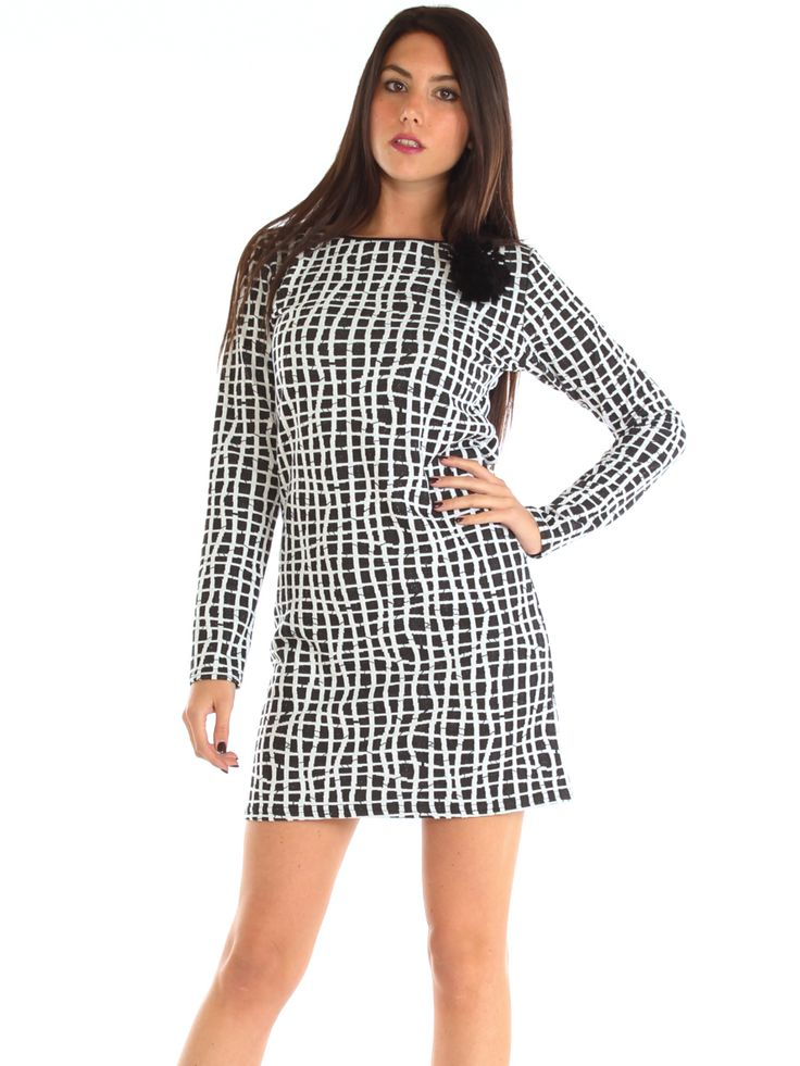 Black and white pattern embossed stretch jersey casual dress http://www.luanaromizi.com/en/dresses-woman/black-and-white-pattern-embossed-stretch-jersey-casual-dress.html #Blackandwhite #pattern #embossed #stretch #jersey #casual #dress #Les codes roses #madeinitaly #fashion #style