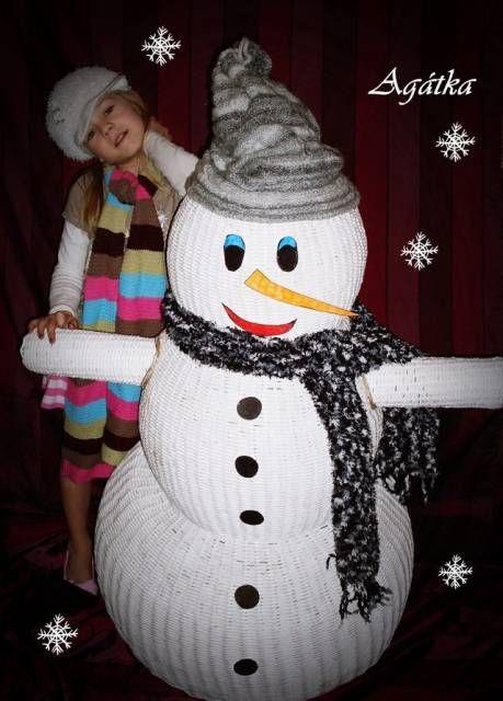 Новогодний снеговик из газетных трубочек - Плетение из газетных трубочек - Поделки из бумаги - Каталог статей - Рукодел.TV